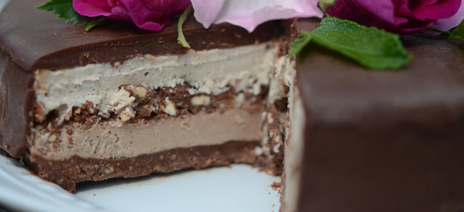 Chocolateandvanillacakeopen