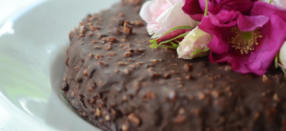 Crunchy icecream cake