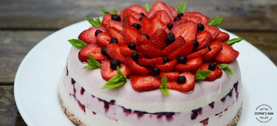 strawberryvanillablueberrycheesecake