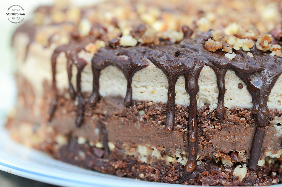 Chocolate pecan nut cake